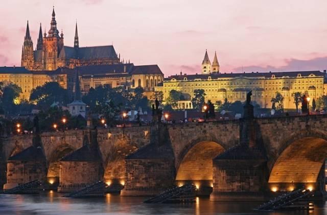 Karlov-Most-Prag-1